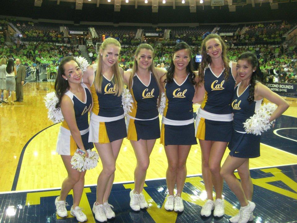 UCLA Cheerleaders (With images) | Cheerleading